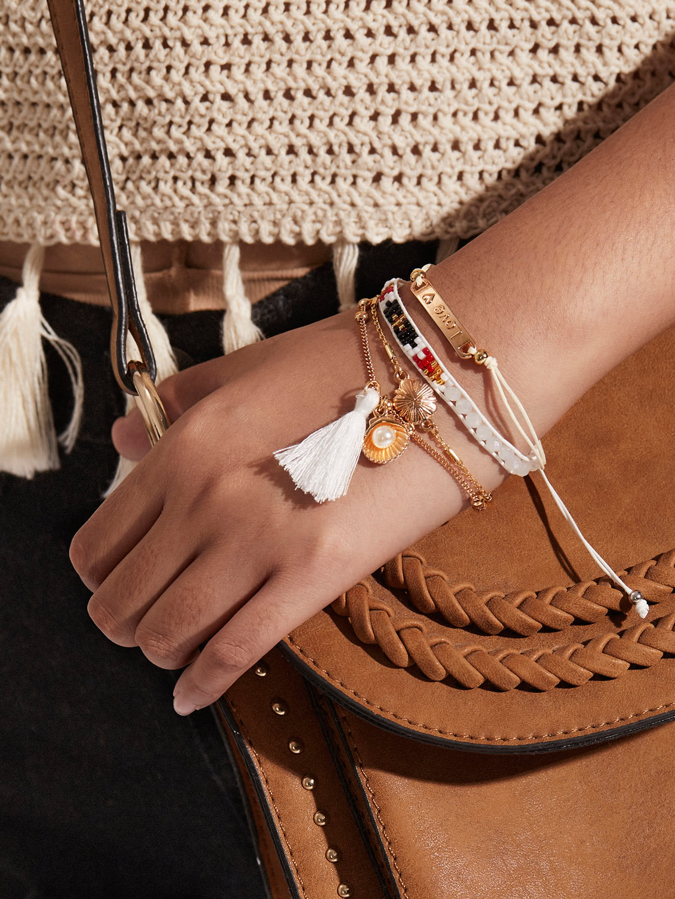 Tassel & Shell Detail Bracelet Set With Jewelry
