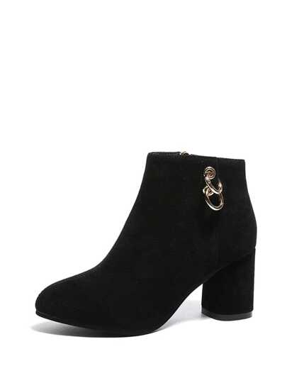 Side Ring Decorated Block Heeled Ankle Boots
