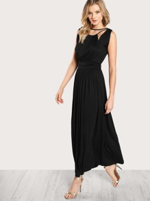 فستان قطع حرف V من الخلف
