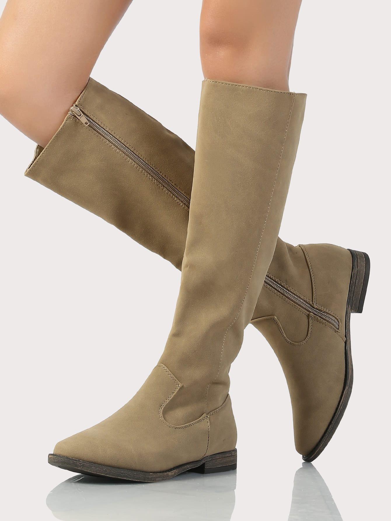 Plain leather boots