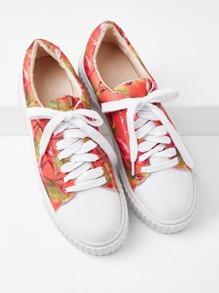Модные кроссовки на платформе с принтом и шнуровкой