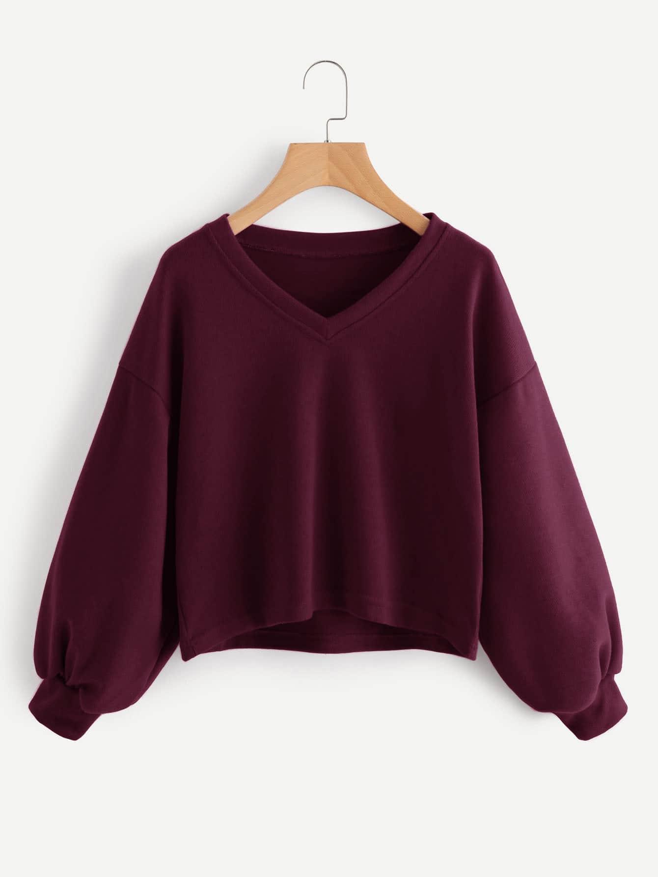 Sweatshirt mit sehr tief angesetzter Schulterpartie, V-Ausschnitt und Laterne Ärmeln