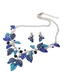 Leaf Design Pendant Necklace & Earring Set