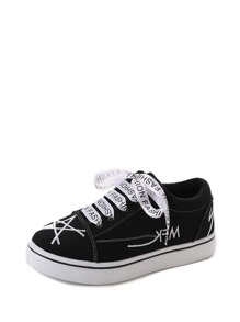 Star Embroidery Lace Up Sneakers