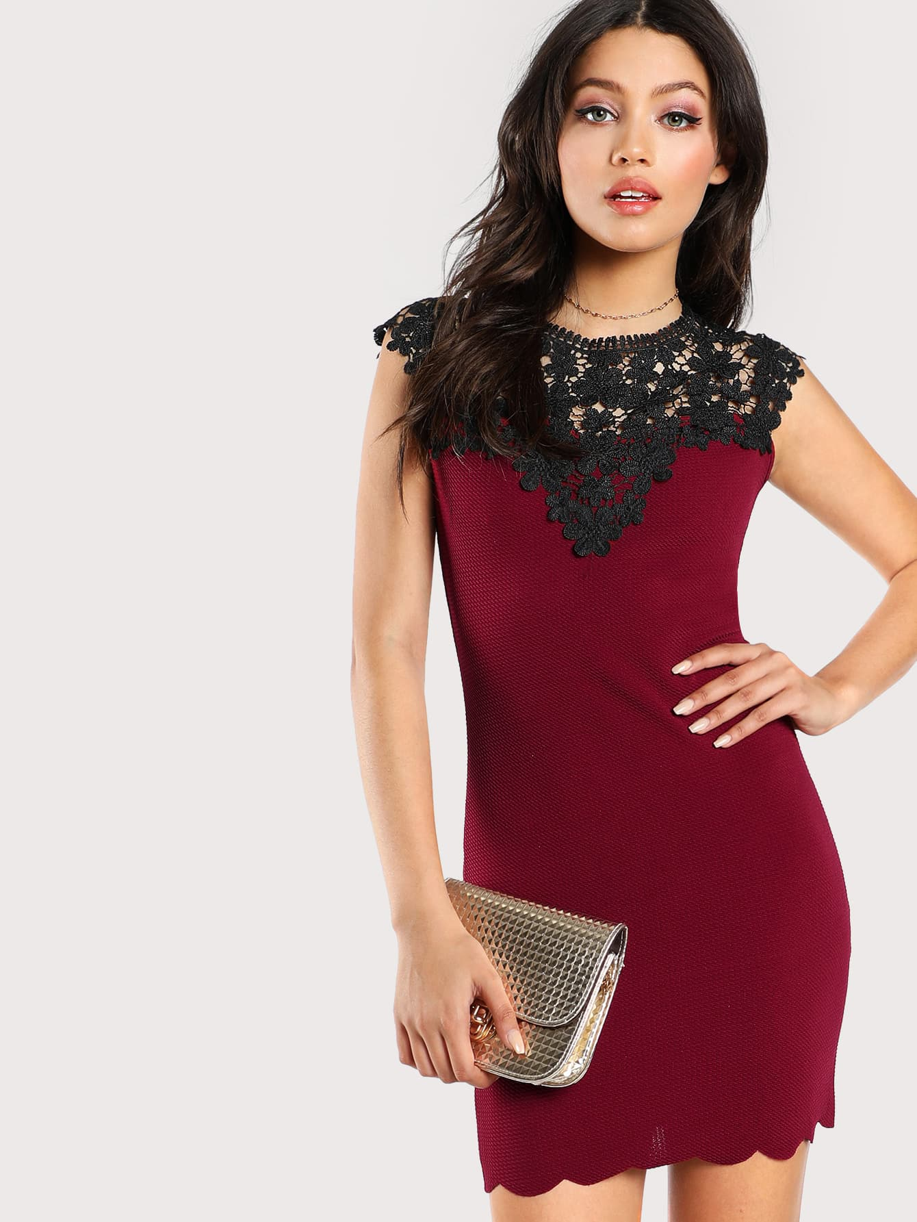 все цены на Contrast Guipure Lace Shoulder Fitted Dress