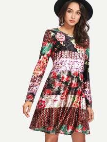 Samt Kleid mit Muster
