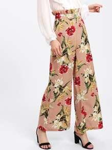 Pantalones florales con volantes