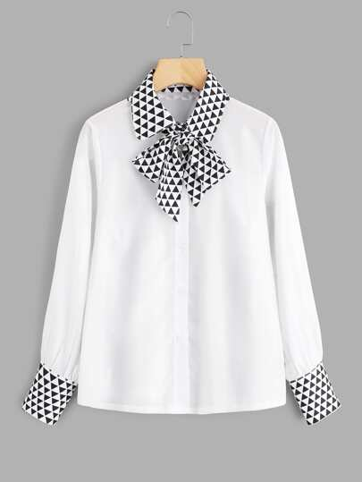 Contrast Seamless Triangle Pattern Tie Neck Shirt