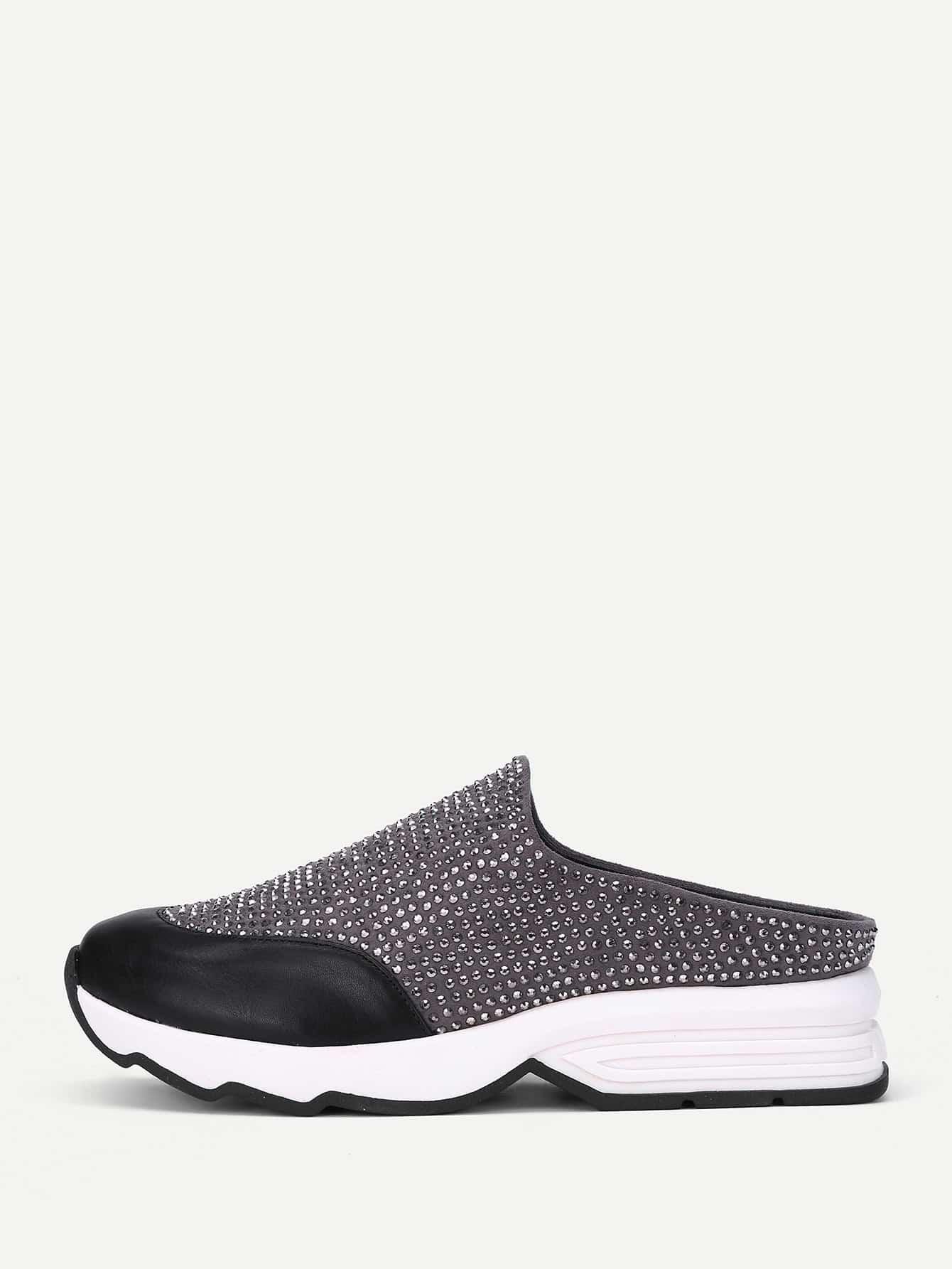 Модные туфли с заклепками от SheIn