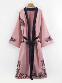 Kimono con applique di fiore