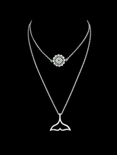 Geometric Flower Shape Charm Pendant Necklace