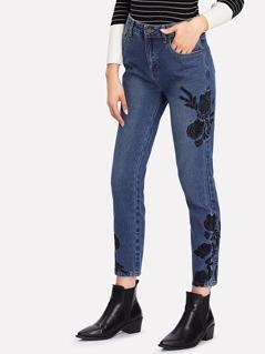 Flower Embroidered Crop Denim Jeans