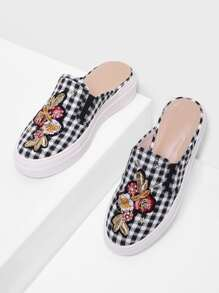 Gingham Pattern Flower Embroidery Flats