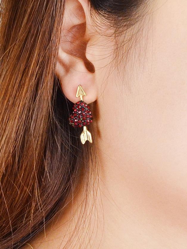 Arrow Pattern With Grapes Shape Rhinestone Stud Earrings starry pattern gold plated alloy rhinestone stud earrings for women pink pair