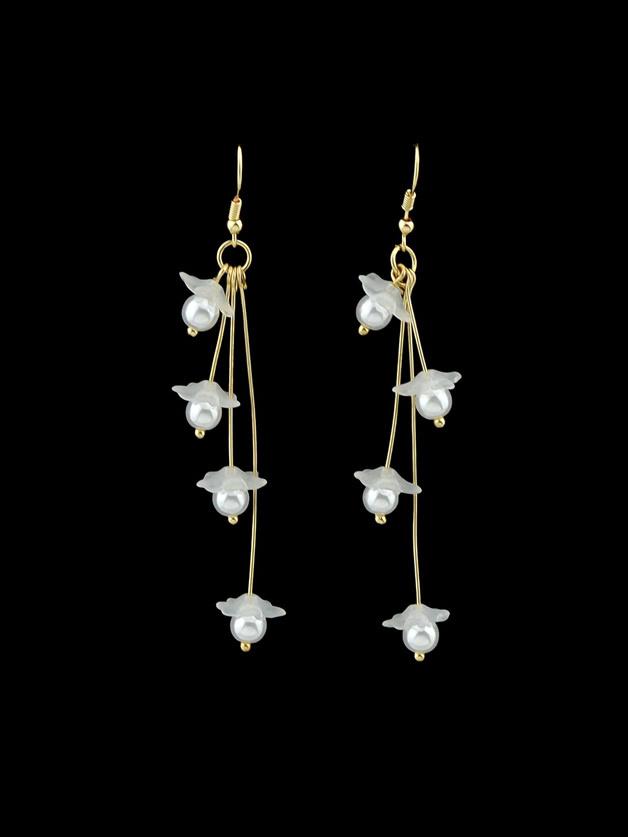 White Flower Drop Pendant Earrings Female clip on earrings with mandala flower pattern round pendant