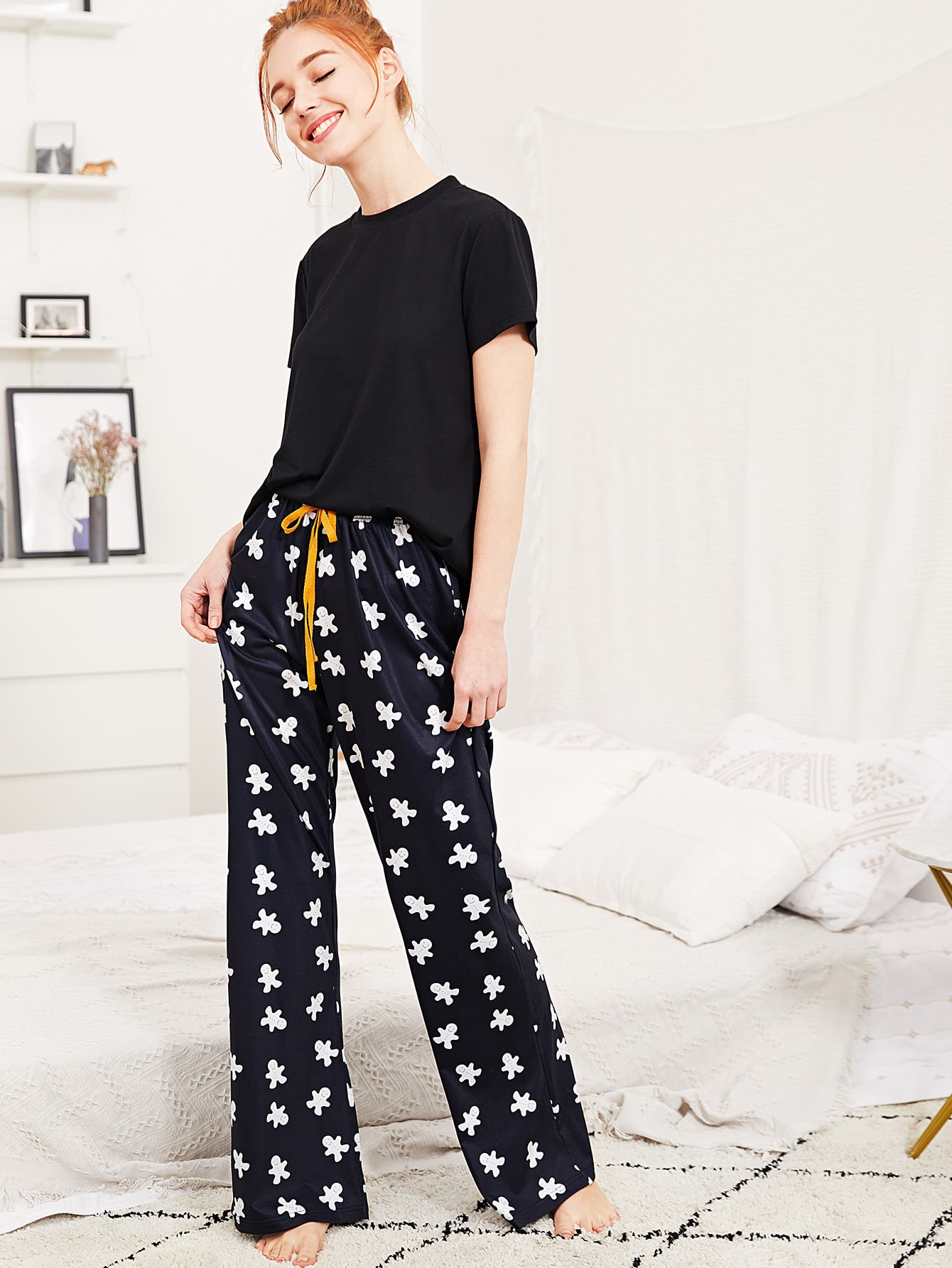 Solid Tee And Cartoon Print Pants PJ Set
