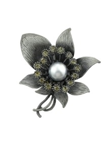 Silver Vintage Style Rhinestone Flower Brooches
