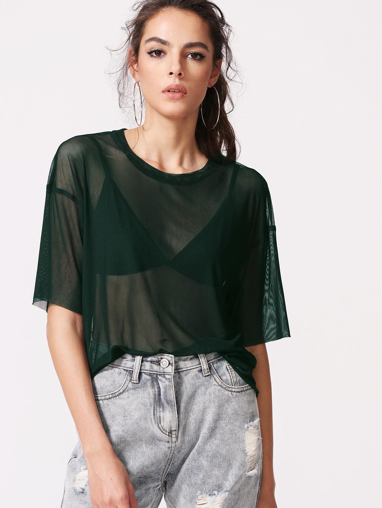 Bluse mit sehr tief angesetzter Schulterpartie und Netzstoff