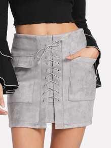 Falda con bolsillos con cordón en la parte delantera