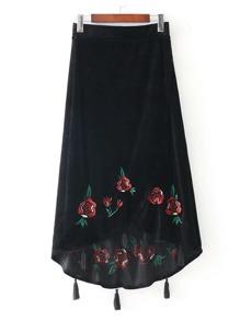 Falda de terciopelo con bordado con flecos