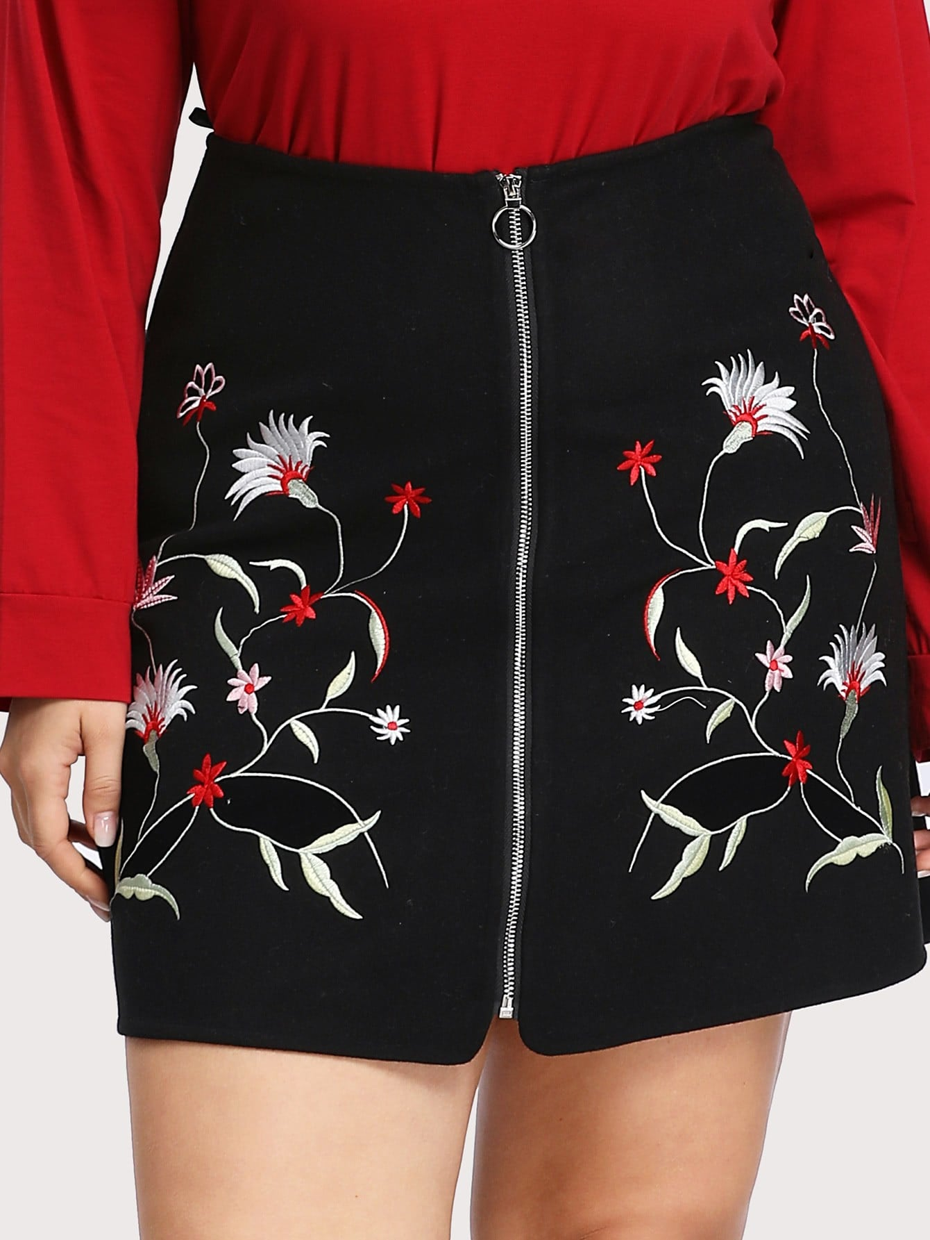 Zip Up Symmetric Embroidered Skirt