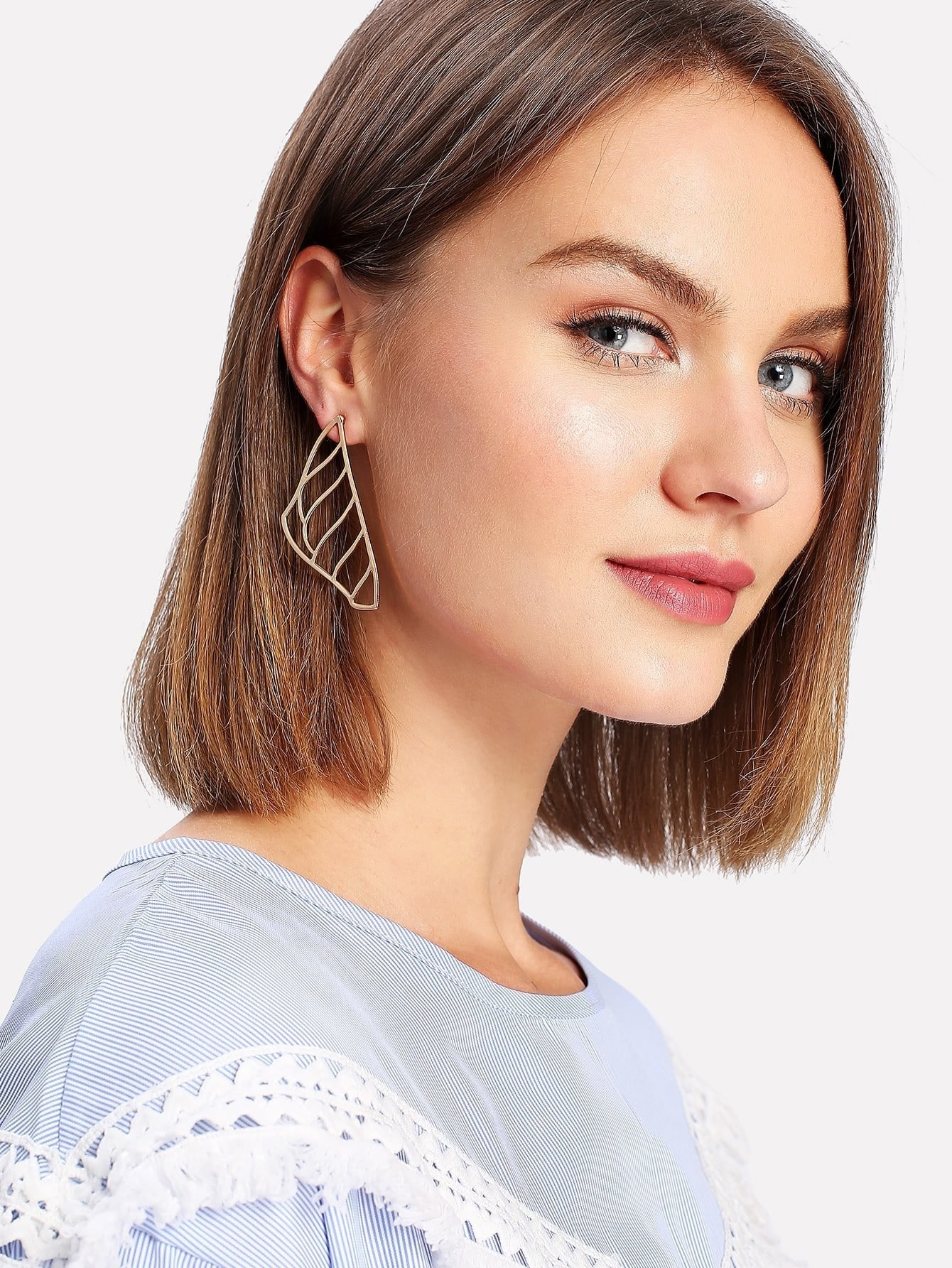 Hollow Design Metal Drop Earrings metal hand design drop earrings