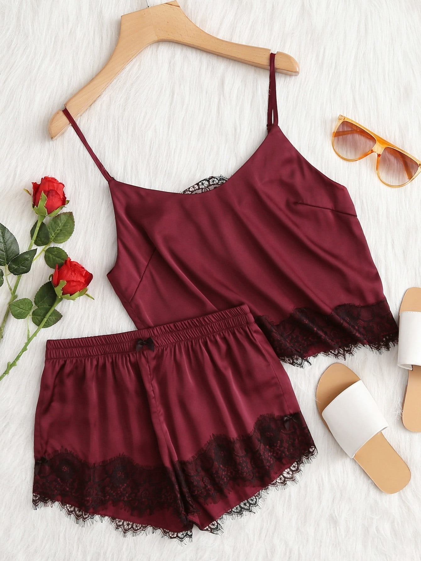 Satin Cami mit Spitzen, Applikation und Shorts Pj Set
