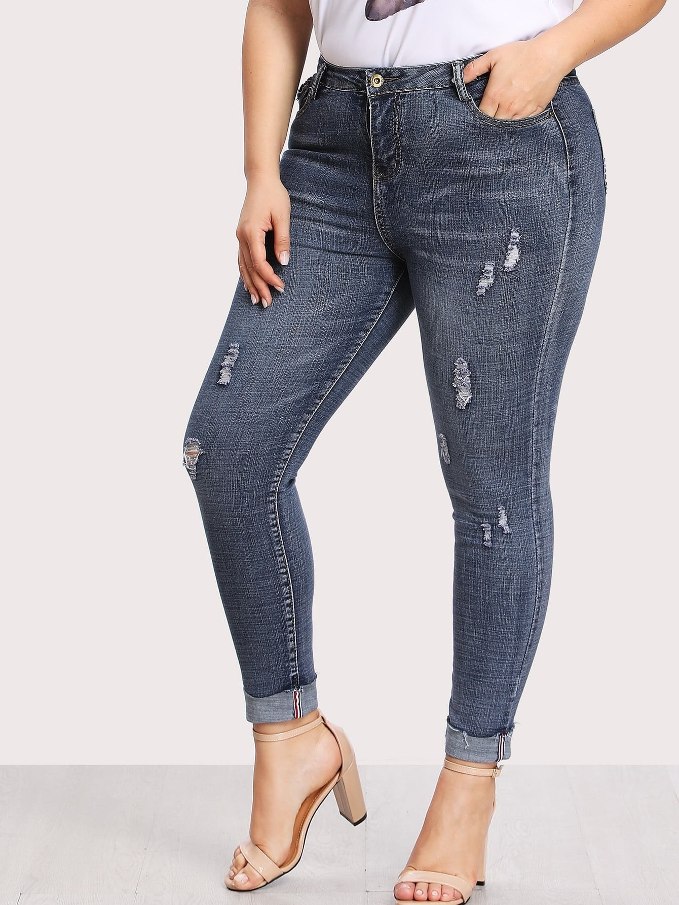 Image of Dual Pocket Back Ripped Jeans