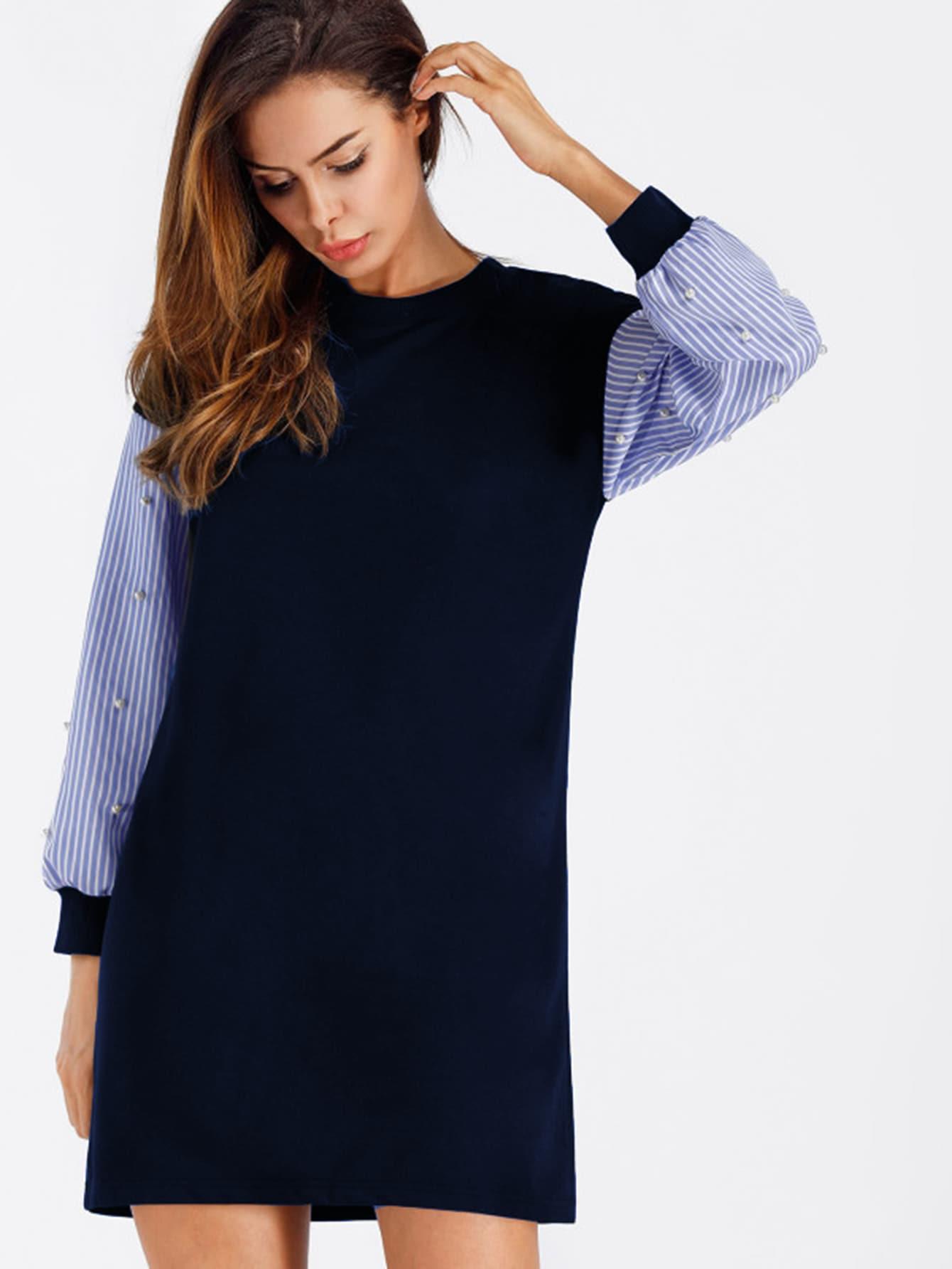 Sweatshirt Kleid mit Streifen auf den Ärmeln und Perlen