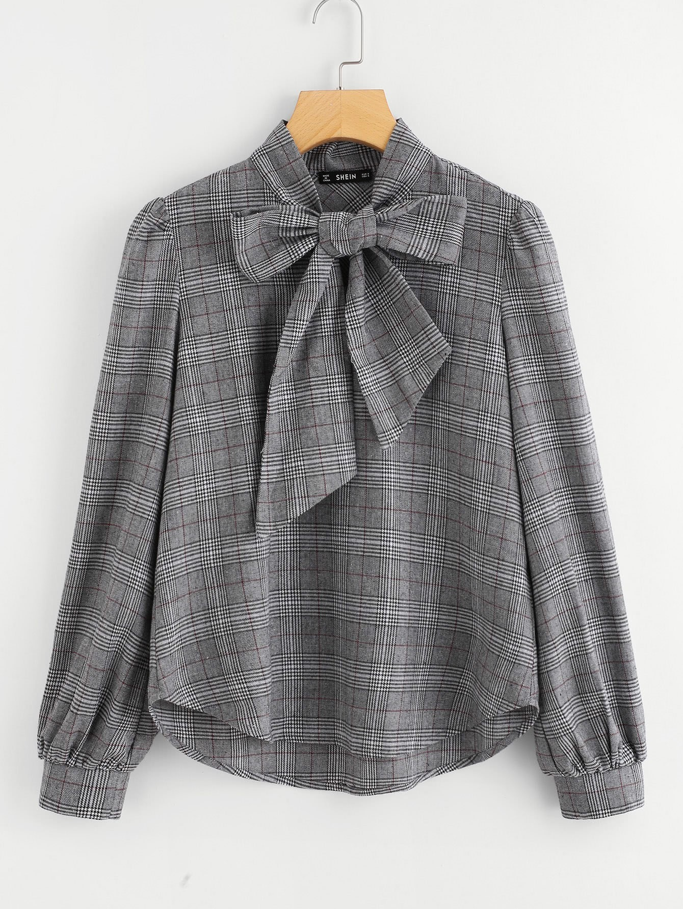 http://de.shein.com/Bow-Tie-Neck-Plaid-Blouse-p-400201-cat-1733.html?utm_source=lifefeminin&utm_medium=blogger&url_from=lifefeminin