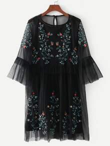 Vestido de malla con bordado