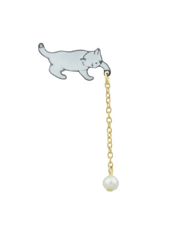 Lovely White Enamel Cat Brooches With Gold-Color Chain