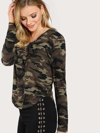 V Neckline Camo Print Chest Pockets Tee