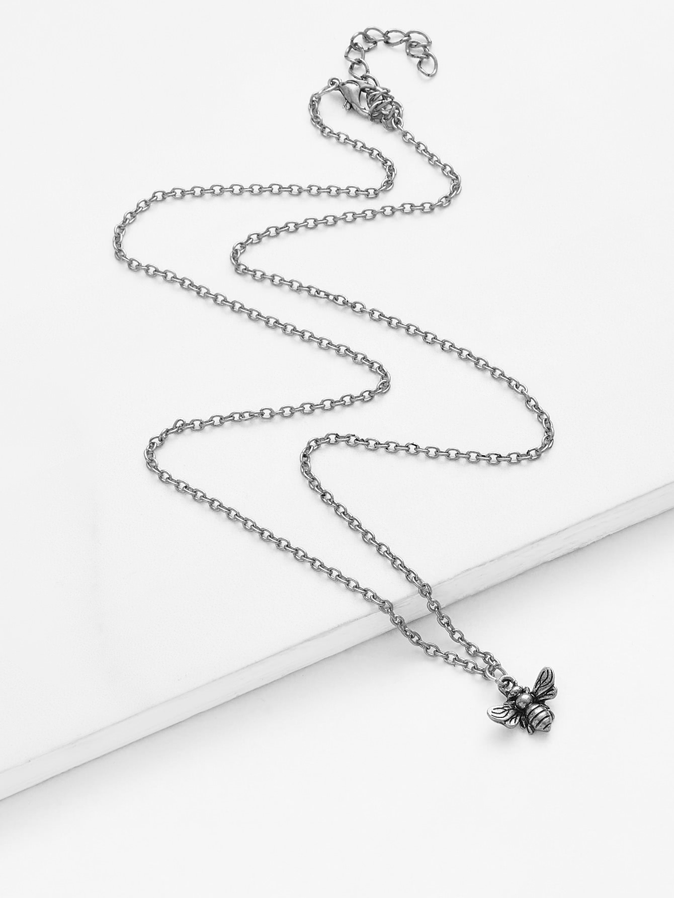 Bee Pendant Chain Necklace
