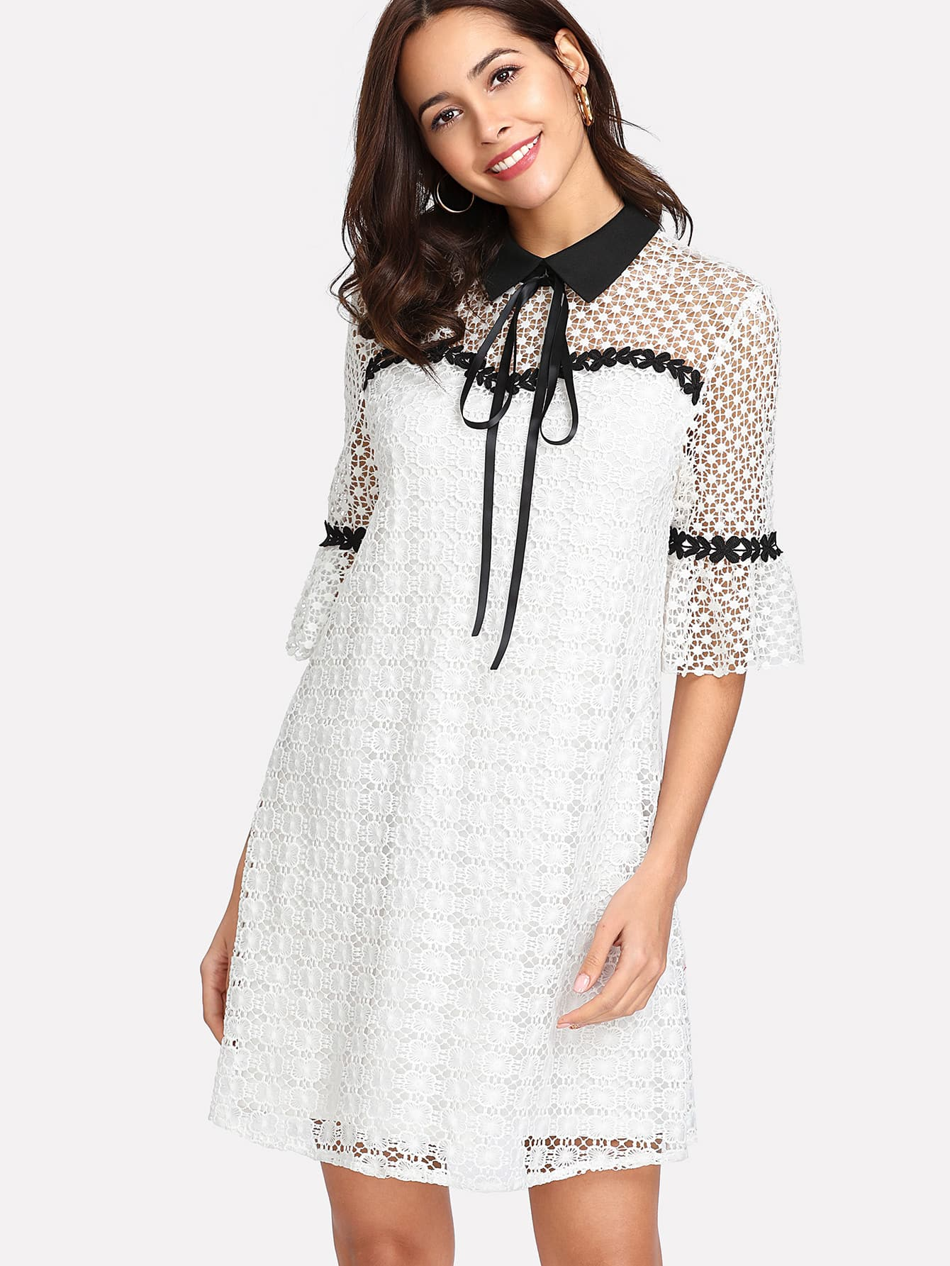 все цены на Contrast Collar Guipure Lace Tunic Dress