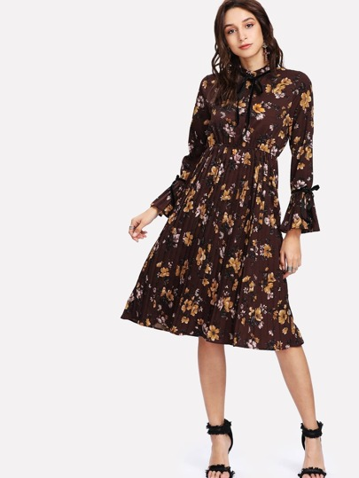 Botanical Print Bow Tie Cuff Pleated Dress