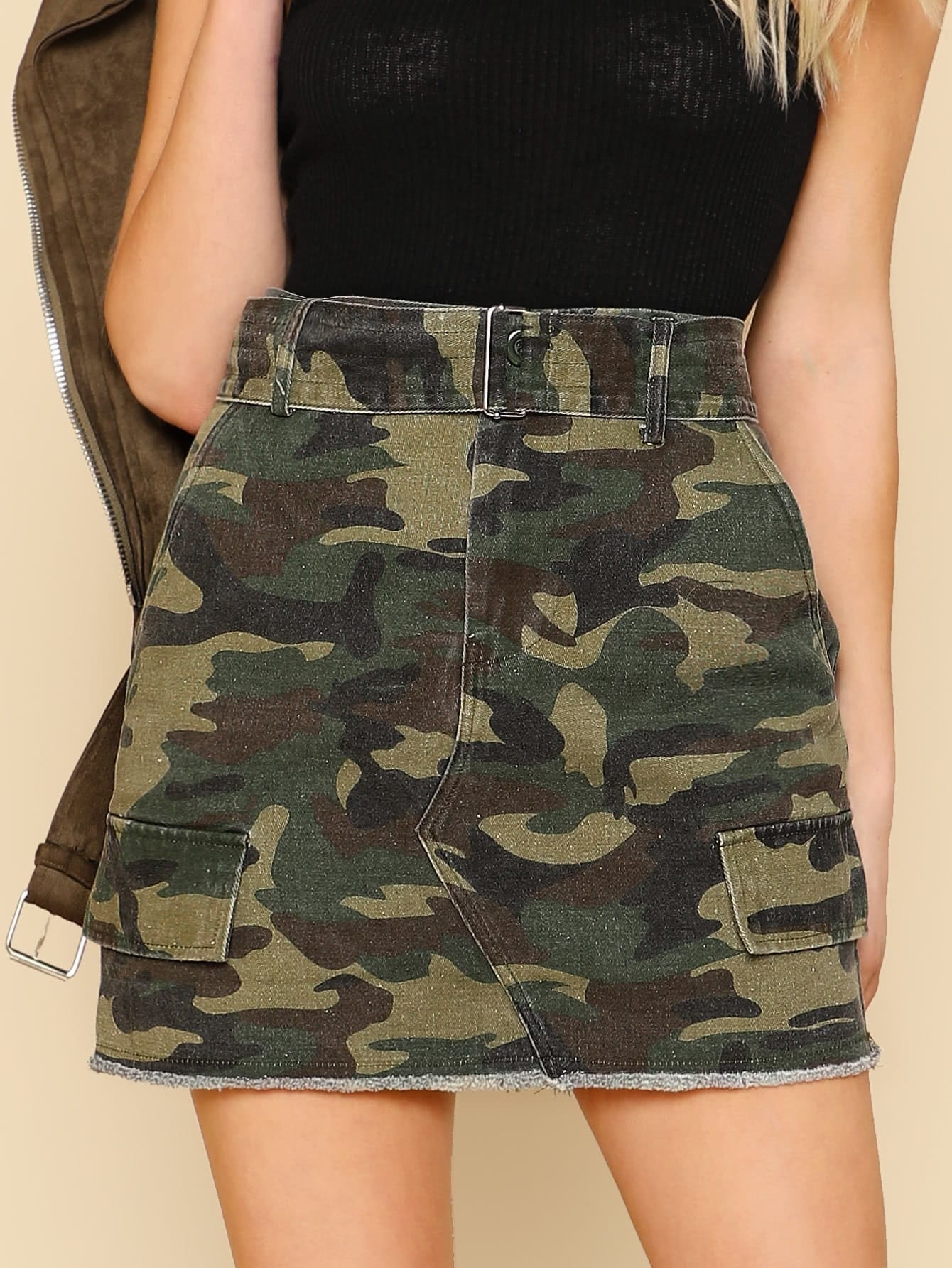 Distressed Hem Camo Skirt with Belt цена