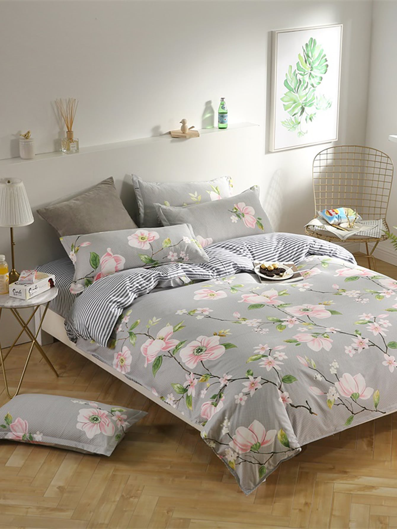 цены 2.2m 4Pcs All Over Florals Duvet Cover Set