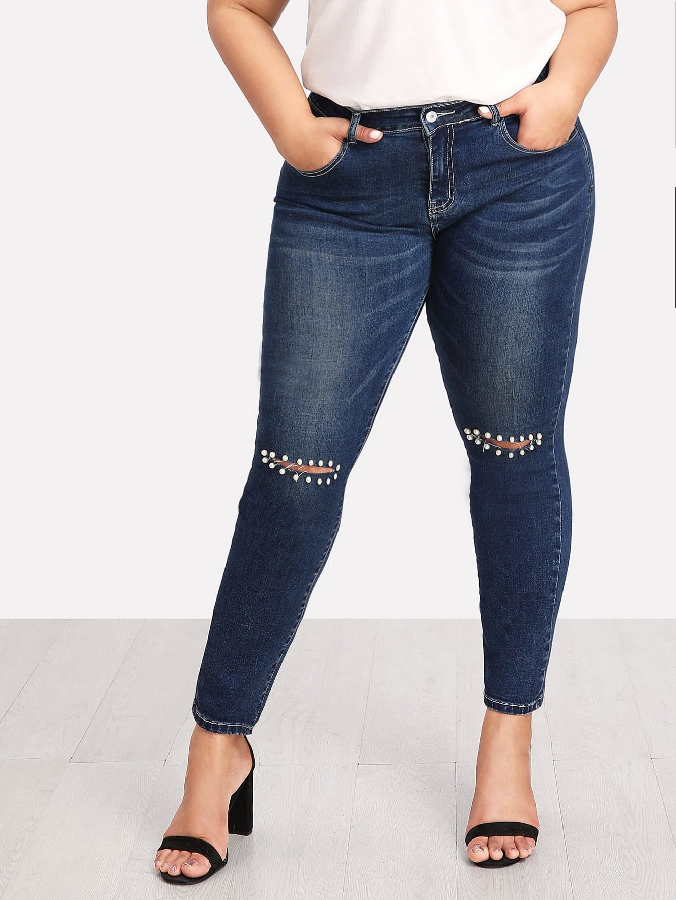 Knee Rips Faux Pearl Detail Jeans