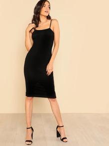 فستان-ضيق بسريحة