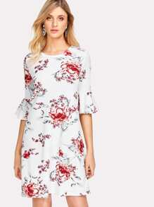 Flounce Sleeve Floral Textured Dress