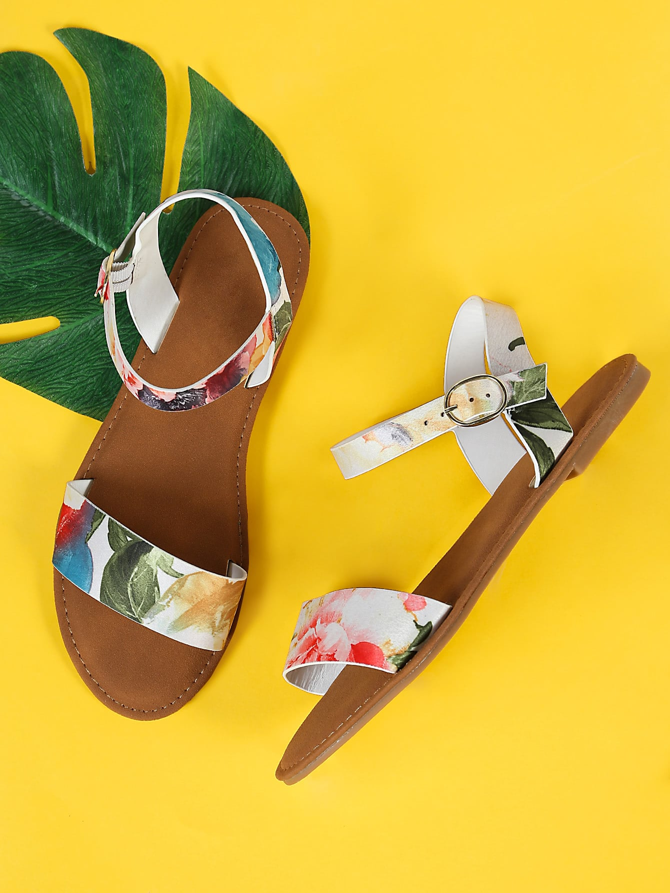 Flower Print Single Band Ankle Strap Flat Sandal WHITE MULTI frilly single band ankle strap heels mauve