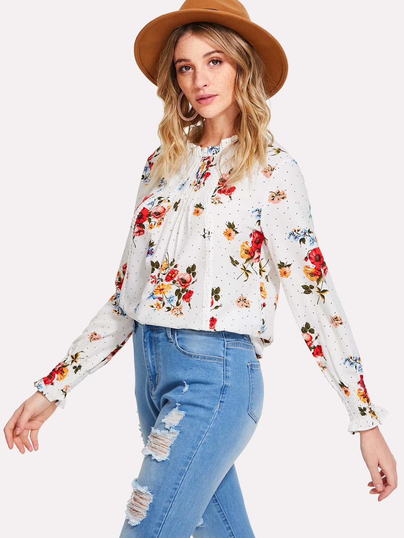 все цены на Frilled & Pleated Neck Smocked Cuff Floral Top