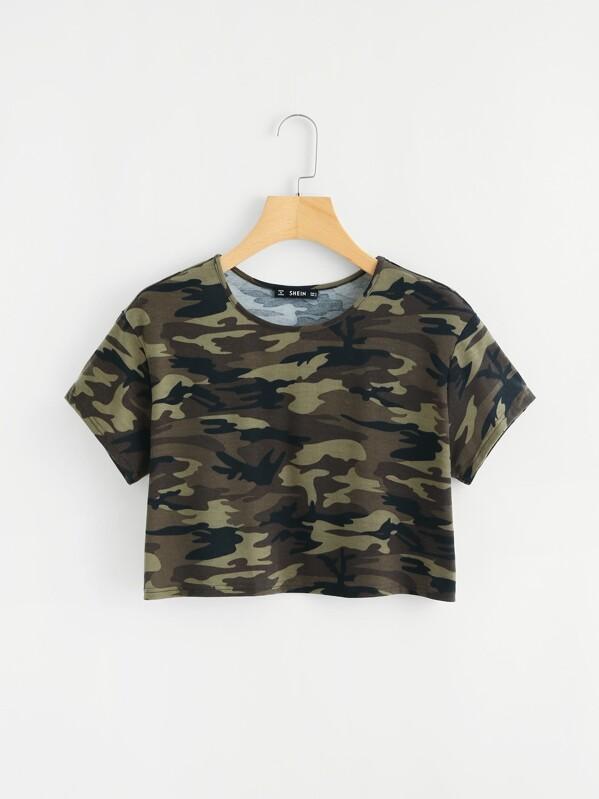 Модная футболка с камуфляжным принтом