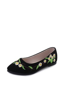 Floral Embroidered Ballet Flats