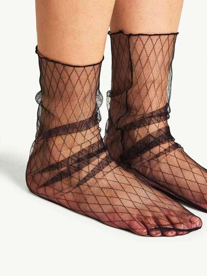 Quilted Pattern Slouch Mesh Socks