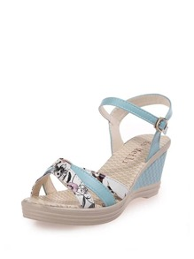 Floral Pattern Wedge Sandals