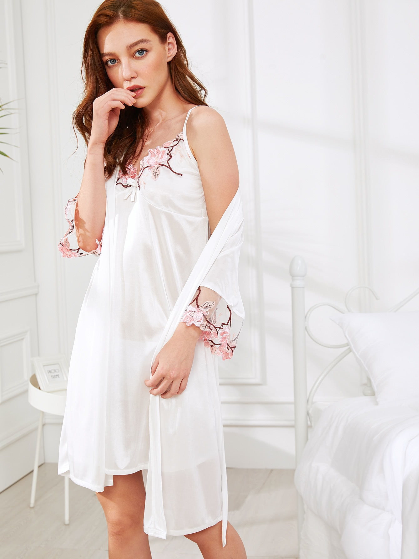 Floral Embroidered Cami Dress With Robe цена и фото