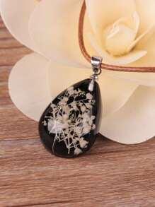 Flower Pattern Water Drop Shaped Pendant Necklace