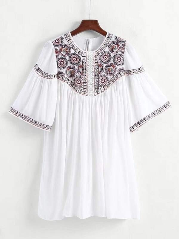Фото Guipure Lace Panel Tassel Tie Back Embroidery Dress